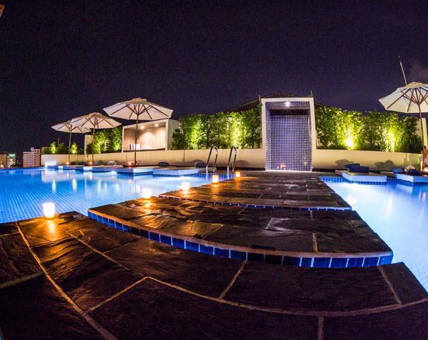 Patio Hotel 6